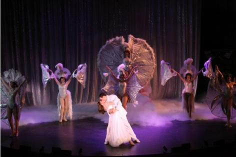 "The grander than grand finale of ""Crazy for You"" [photo: Kirklyn Robinson]"