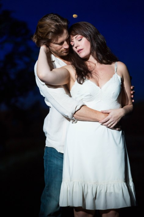 "Andrew Samonsky and Elizabeth Stanley in the Tony Award-winning ""The Bridges of Madison County"" at the Center Theatre Group/Ahmanson Theatre. [Photo: Matthew Murphy]"